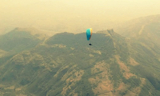 Head in the Clouds – An Introduction to Paragliding
