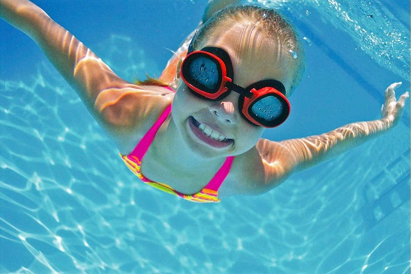 why women should start swimming