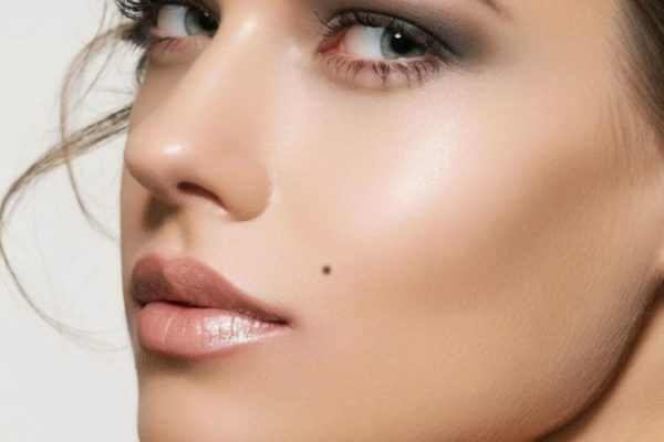 10 Things Moles on Face Say About Your Personality